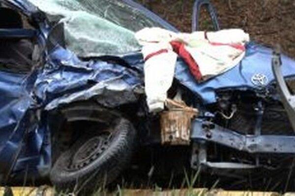 Pre motoristov je úsek pod Strečnom zakliaty.