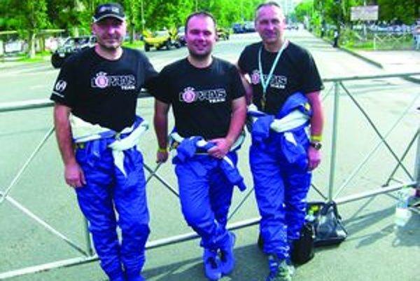 Jaroslav Miškolci (vľavo) sa predstavil na rely Dakar.
