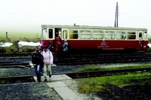 Cestujúci si môžu vydýchnuť, trať z Hornej Štubne do Prievidze sa rušiť nebude.