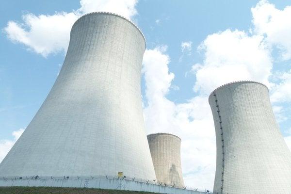 Poslanci NR SR boli dnes v elektrárni Mochovce. Zaujímali sa o bezpečnosť dostavby 3. a 4. bloku.