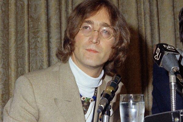 John Lennon (1940-1980).