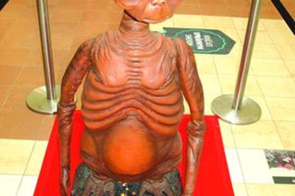 Známa postavička z filmu ET mimozemšťan z roku 1982.