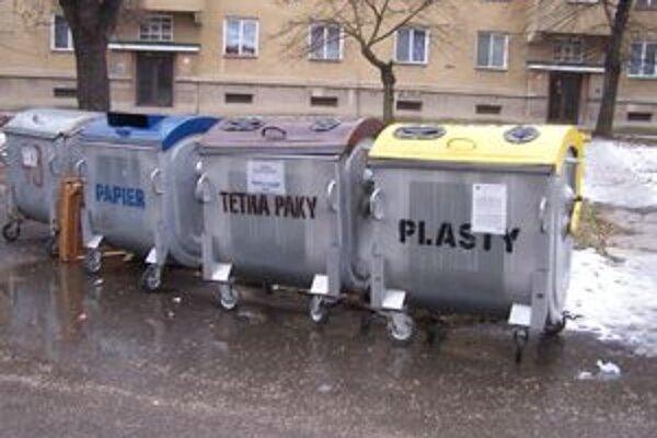 Obyvatelia odpad separujú, náklady však napriek tomu rastú najmä pre zvýšenie poplatkov na skládke.