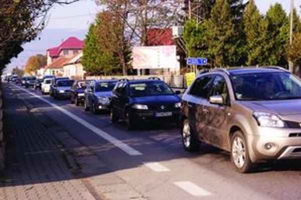 Kolóny aut, ktorých sme svedkami pomaly už deň čo deň, má vraj zrušiť diaľnica vedúca dolným Turcom. Najskôr však až o tri roky.
