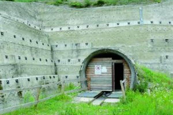 Ďalším termínom na ukončenie prác tunela Višňové - Dubná Skala je rok 2018.