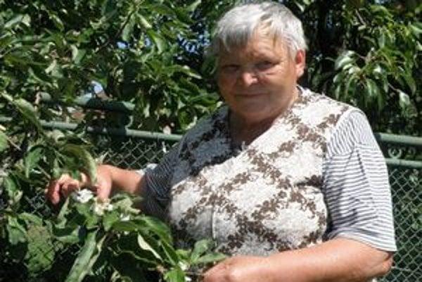 Pre Emíliu Kováčovú rozkvitnutá jabloň nie je ničím výnimočným. Rovnako mimoriadne zakvitla aj v minulom roku.