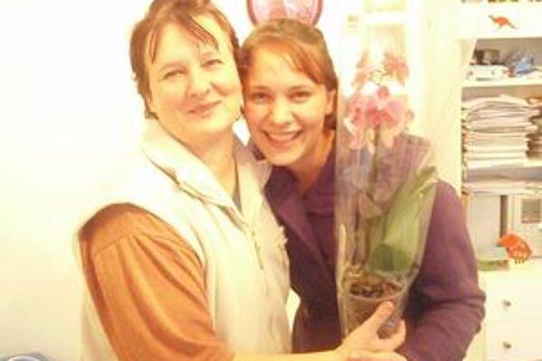 Eva Grešková - v piatok trinásteho oslávila narodeniny. Gratulovala jej aj synova priateľka Veronika.