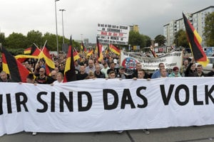 My sme ľud, odkazuje Nemecku krajná pravica v Chemnitzi.