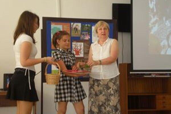 Anna Kyseľová krstí nový kalendár.