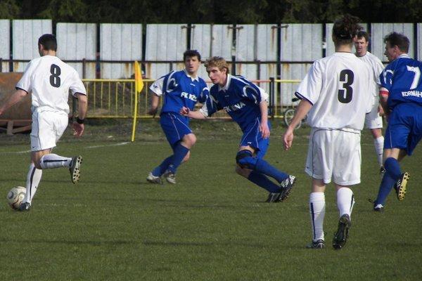 Derby medzi Nižnou (v modrom) a Tvrdošínom (v bielom) sa konalo naposledy pred 11 rokmi.