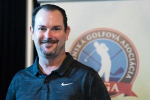 Profesionálny golfista Rory Sabbatini počas tlačovej konferencie.