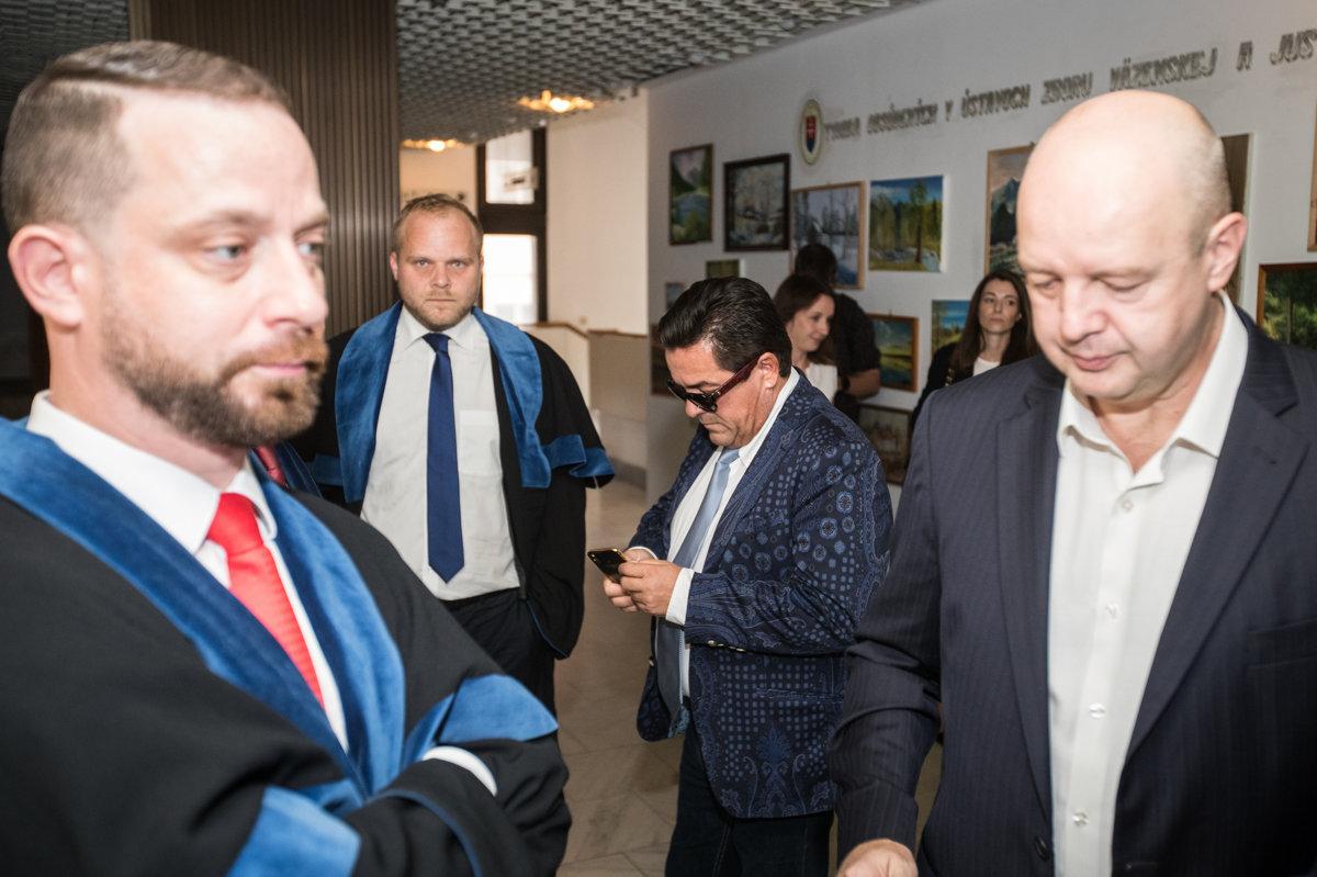 Kočner odovzdal originály televíznych zmeniek - domov.sme.sk