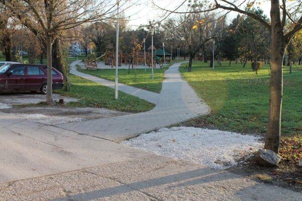 Park alebo parkovisko?