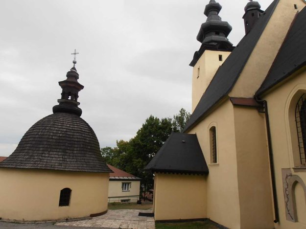 Bijacovce sú rodiskom katolíckeho kňaza J. Simonidesa.