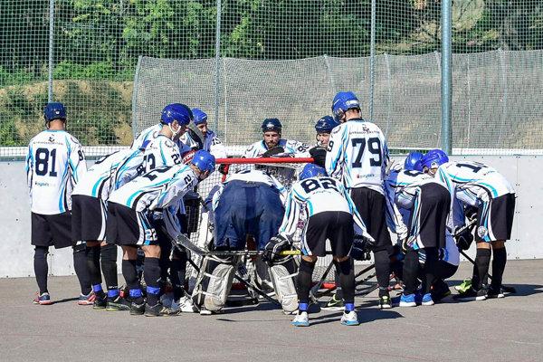 Hokejbalisti Nitry uhrali za víkend plný počet bodov.
