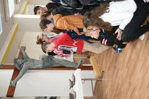 Krompašskí školáci na netradičnej výstave.