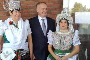 Monika a Lucia s prezidentom A. Kiskom.