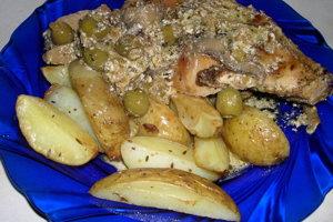 Králik s olivami a šampiňónmi.