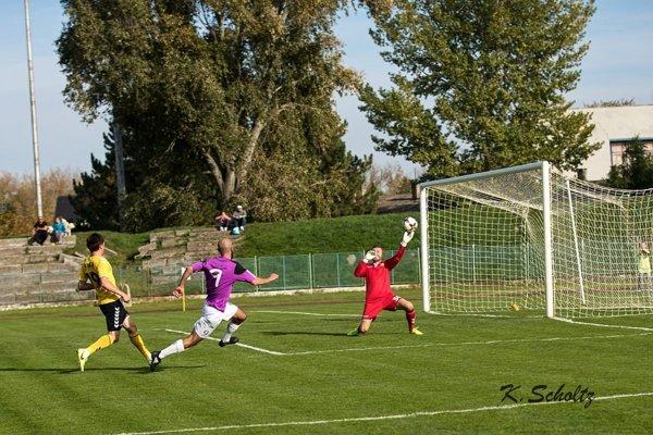 Záber z predchádzajúceho zápasu Komárňanov s Interom Bratislava.
