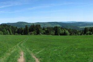 Pohľad na centrálnu časť Bachurne zo susedného Braniska.