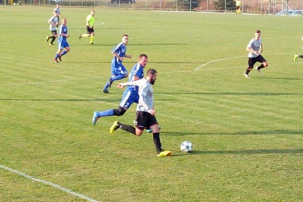 Rakytovce druhý raz vyhrali gólom zo záveru stretnutia a ovládli derby.