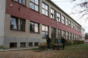 Preplnená škola v Kluknave