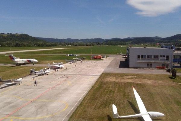 Dokáže župa priniesť na žilinské letisko väčší ruch? Štátu sa to doteraz nepodarilo.