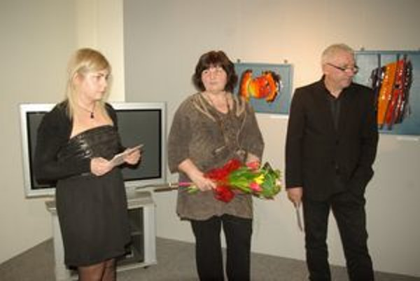 Autorka (uprostred) predstavila tvorbu z posledných desiatich rokov