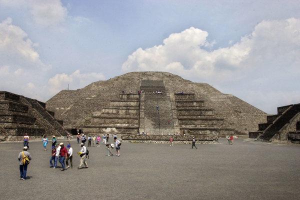 Pyramída Mesiaca.