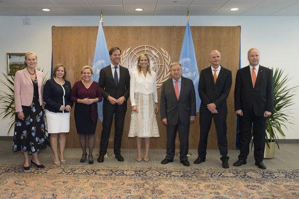 Holandská kráľovná Máxima (v strede).