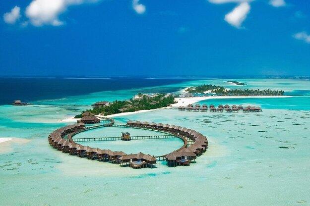 Atraktivitu Maldív zvyšujú pláže a pokoj.