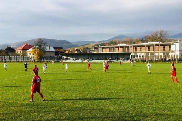 Momentka zo zápasu prvej triedy medzi Brusnom a Priechodom.