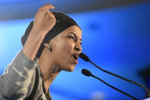 Ilhan Omarová patrí medzi prvé moslimské ženy v Snemovni reprezentantov.