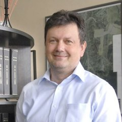 Viktor Mikluš.