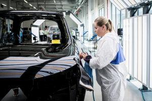 Ilustračné foto z výroby v závode Jaguar Land Rover.