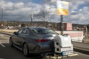 Mercedes testuje škodlivosť naftového motora v bežnej premávke