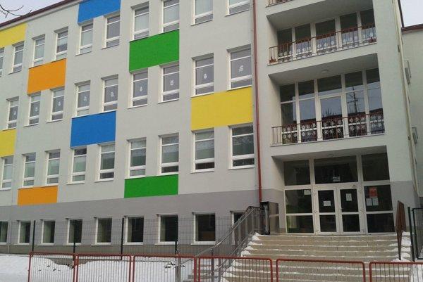 Školu vlani zrekonštruovali.