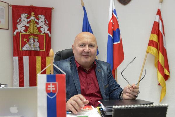 Atila Oravecz.