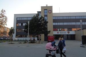 Zrekonštruovaný mestský úrad v Šali.