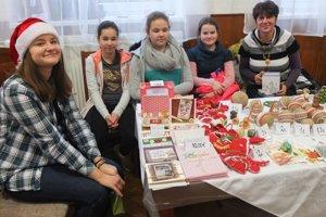 Svoj stánok mala vlani na vianočných trhoch aj miestna ZUŠ-ka.