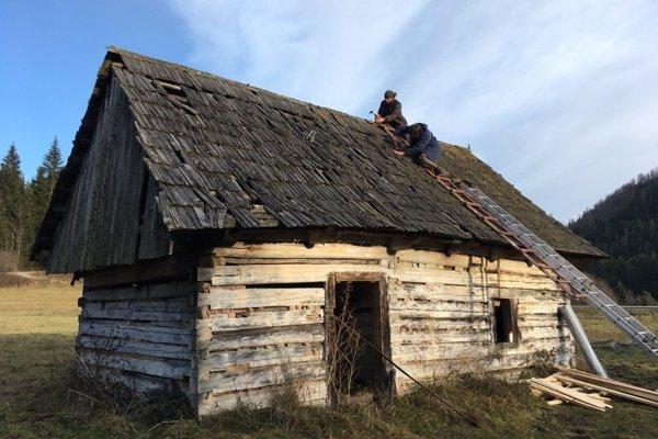 Šance na záchranu Chamkovej stodoly žijú.