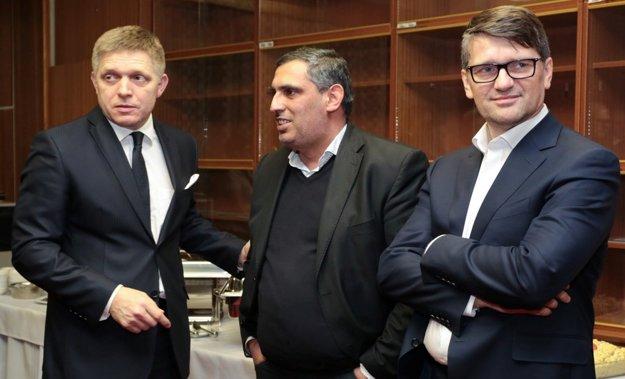 Zľava Robert Fico, Alexander Daško, Marek Maďarič.
