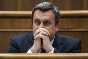 Andrej Danko čelí v parlamente odvolávaniu.