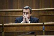 Andrej Danko zostáva šéfom parlamentu.