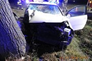 Po nehode sa ťažko zranili štyria mladí ľudia.