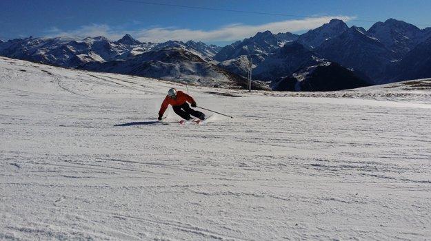 Zjazdovky sú pre rôzne úrovne schopností, od začiatočníkov po skúsených lyžiarov.
