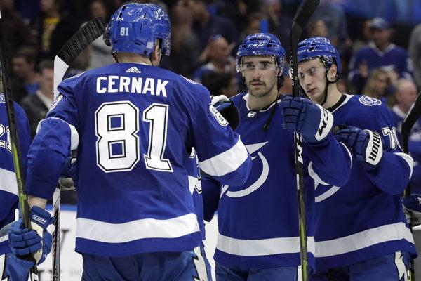 Erik Černák prekvapuje svojimi výkonmi hokejovú verejnosť v zámorí.