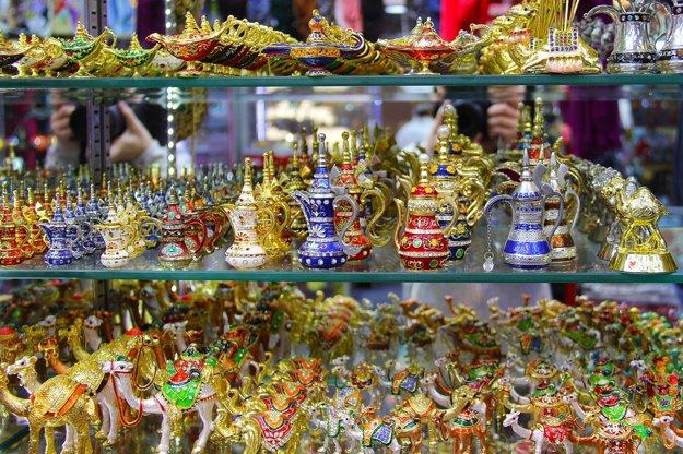 Tradičné suveníry z Dubaja.