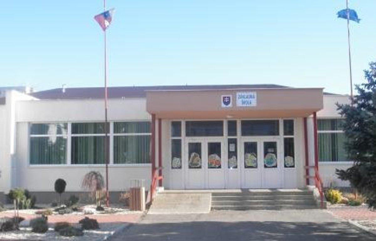 Zmeny na poste zástupkyne ZŠ na Krymskej ulici v Michalovciach preverovali  až dva súdy. d59fee2c056