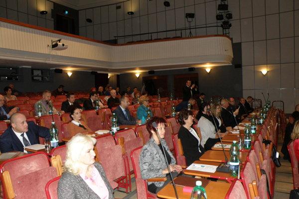 Ustanovujúce rokovanie mestského zastupiteľstva v Prievidzi.